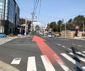 中沢交差点を北上します。ローソン、鎌倉パスタが目印です。